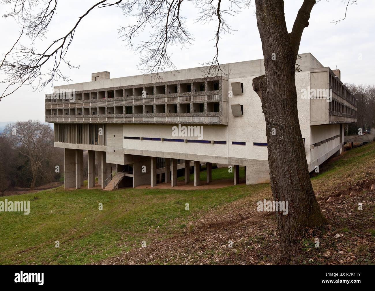 Éveux bei Lyon, Kloster Sainte-Marie de La Tourette, 1956-1960 von Le Corbusier, Außenansicht von Süden Stock Photo