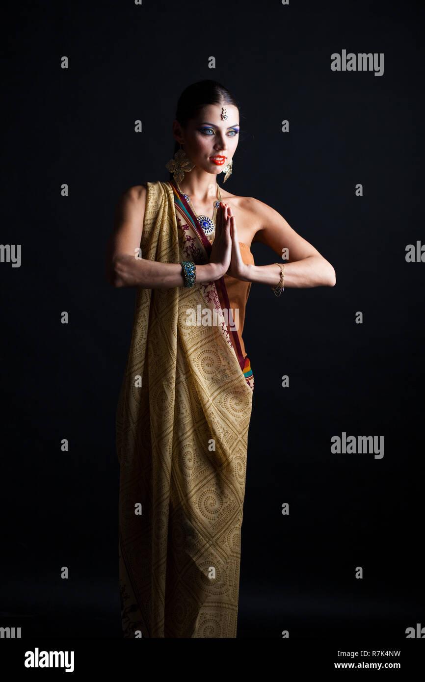 25856f806f Indian sari dress Stock Photo: 228458213 - Alamy