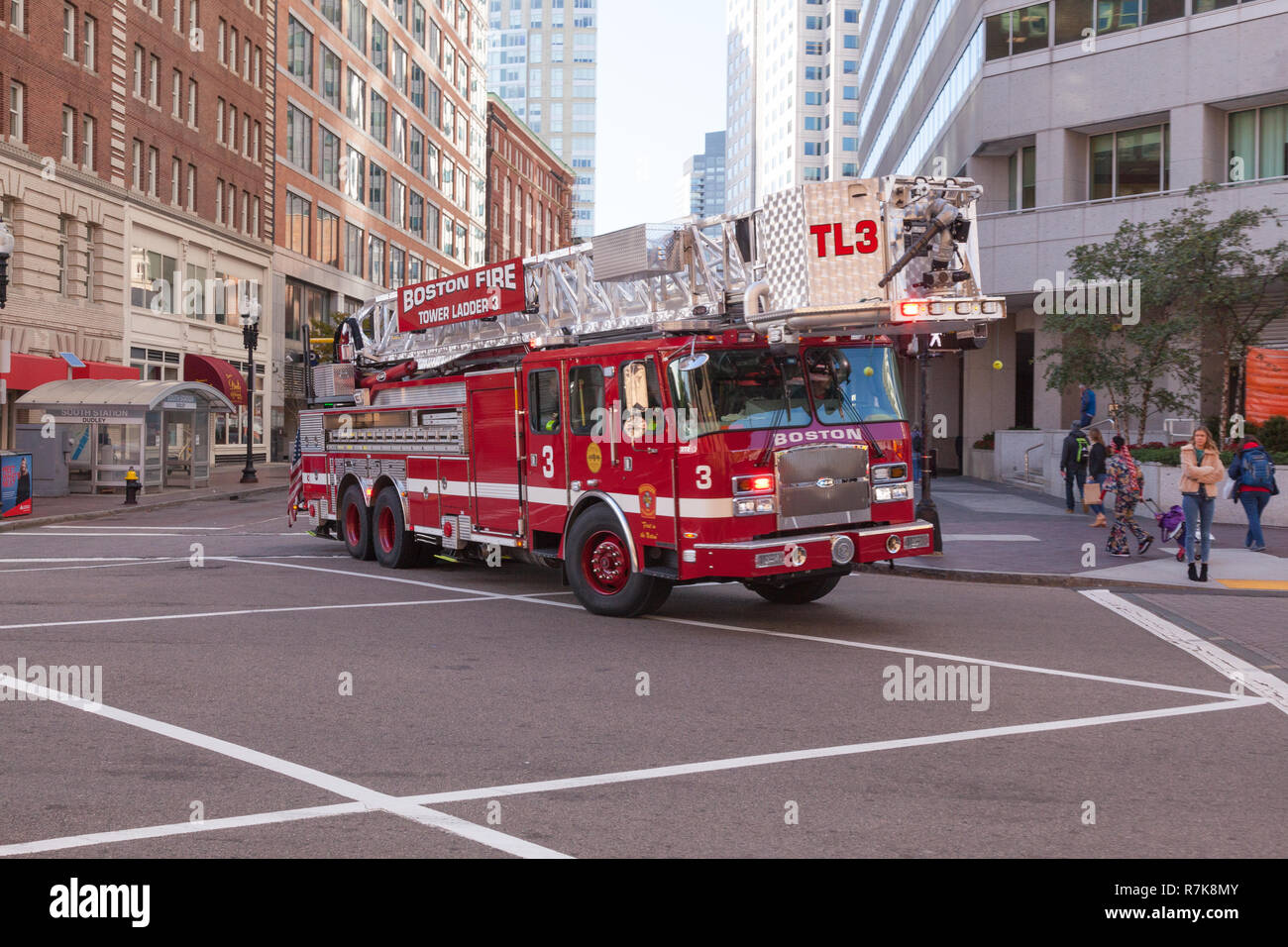 Boston Fire Department Tower Ladder 3, Seaport District, Boston, Massachusetts, United States of America. - Stock Image