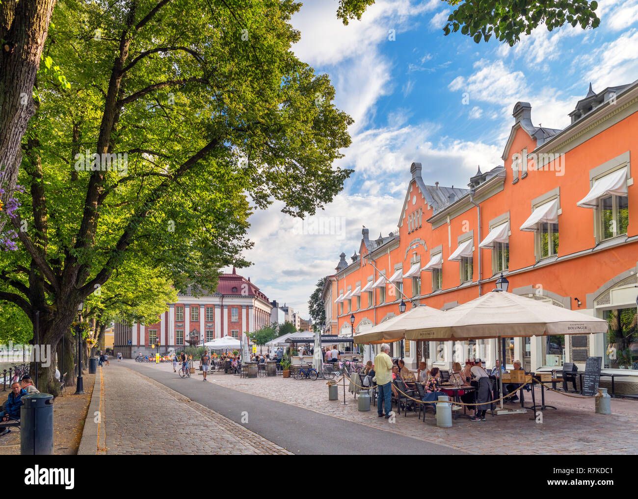 Cafe / bar on the banks of the River Aura (Aurajoki) in the historic centre, Turku, Finland - Stock Image