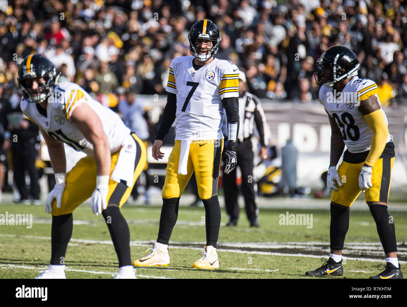 Dec 09 2018 Oakland U.S.A CA Pittsburgh Steelers quarterback Ben Roethlisberger (7) passed for 282 yards with 2 TDs during the NFL Football game between Pittsburgh Steelers and the Oakland Raiders 21-24 lost at O.co Coliseum Stadium Oakland Calif. Thurman James/CSM - Stock Image