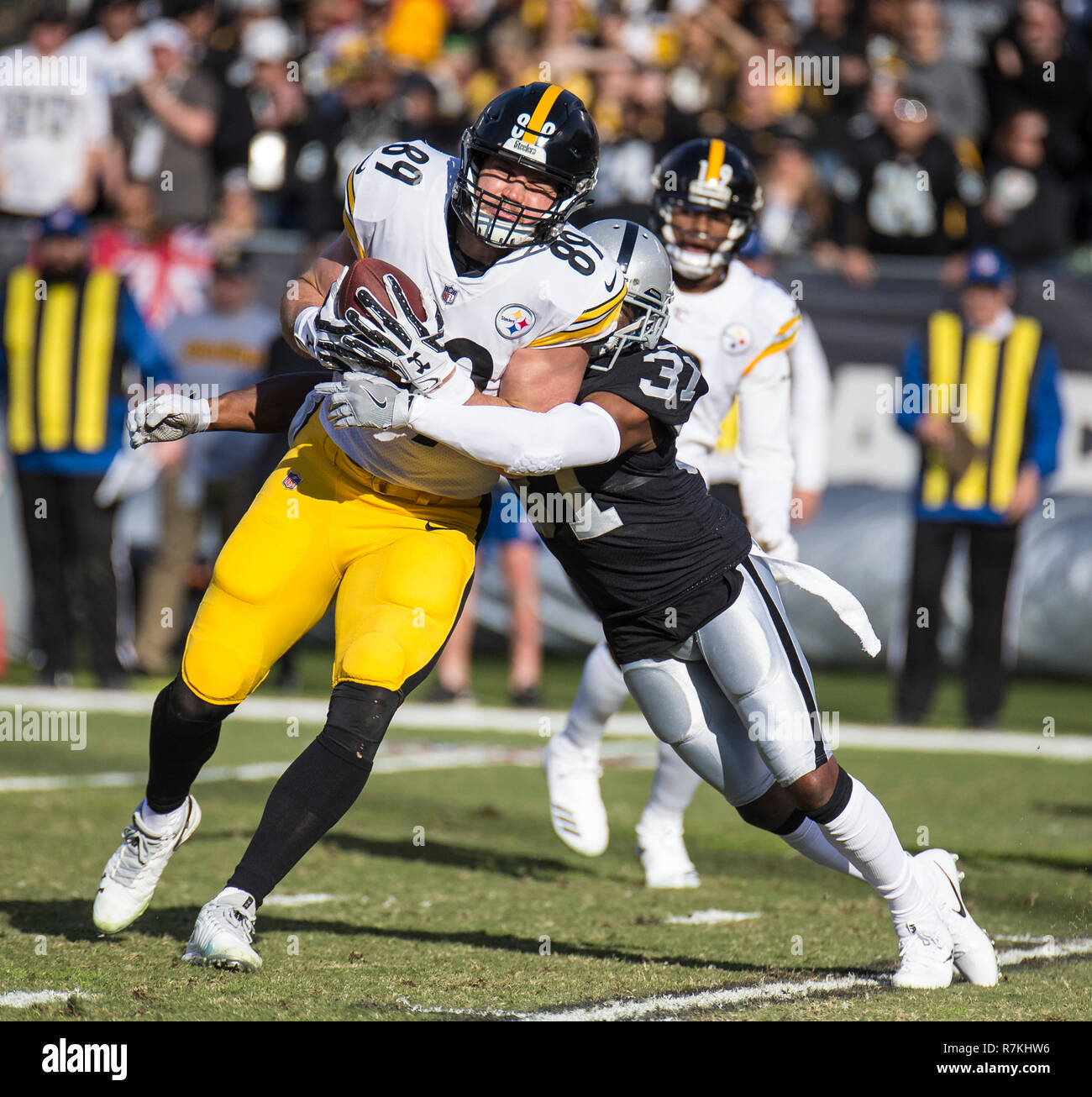 59c2a2266 Dec 09 2018 Oakland U.S.A CA Pittsburgh Steelers tight end Vance McDonald ( 89) catch
