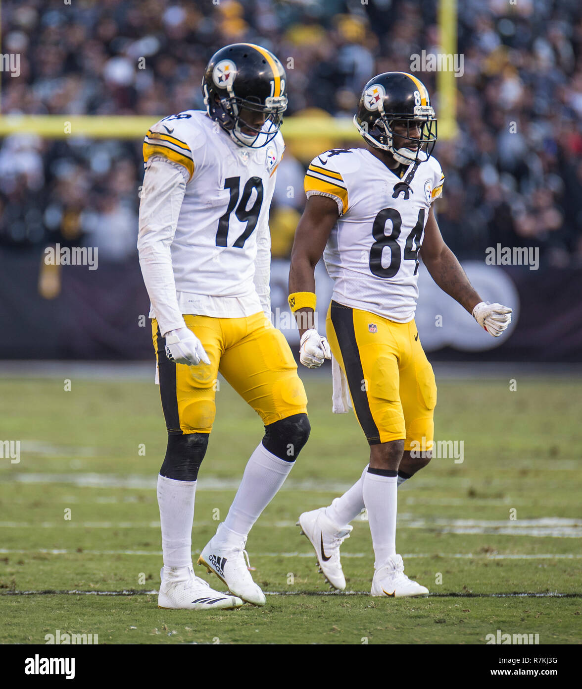 b623efc19 Dec 09 2018 Oakland U.S.A CA Pittsburgh Steelers wide receivers JuJu Smith-Schuster  (19) and wide receiver Antonio Brown (84) walk onto the field during the ...