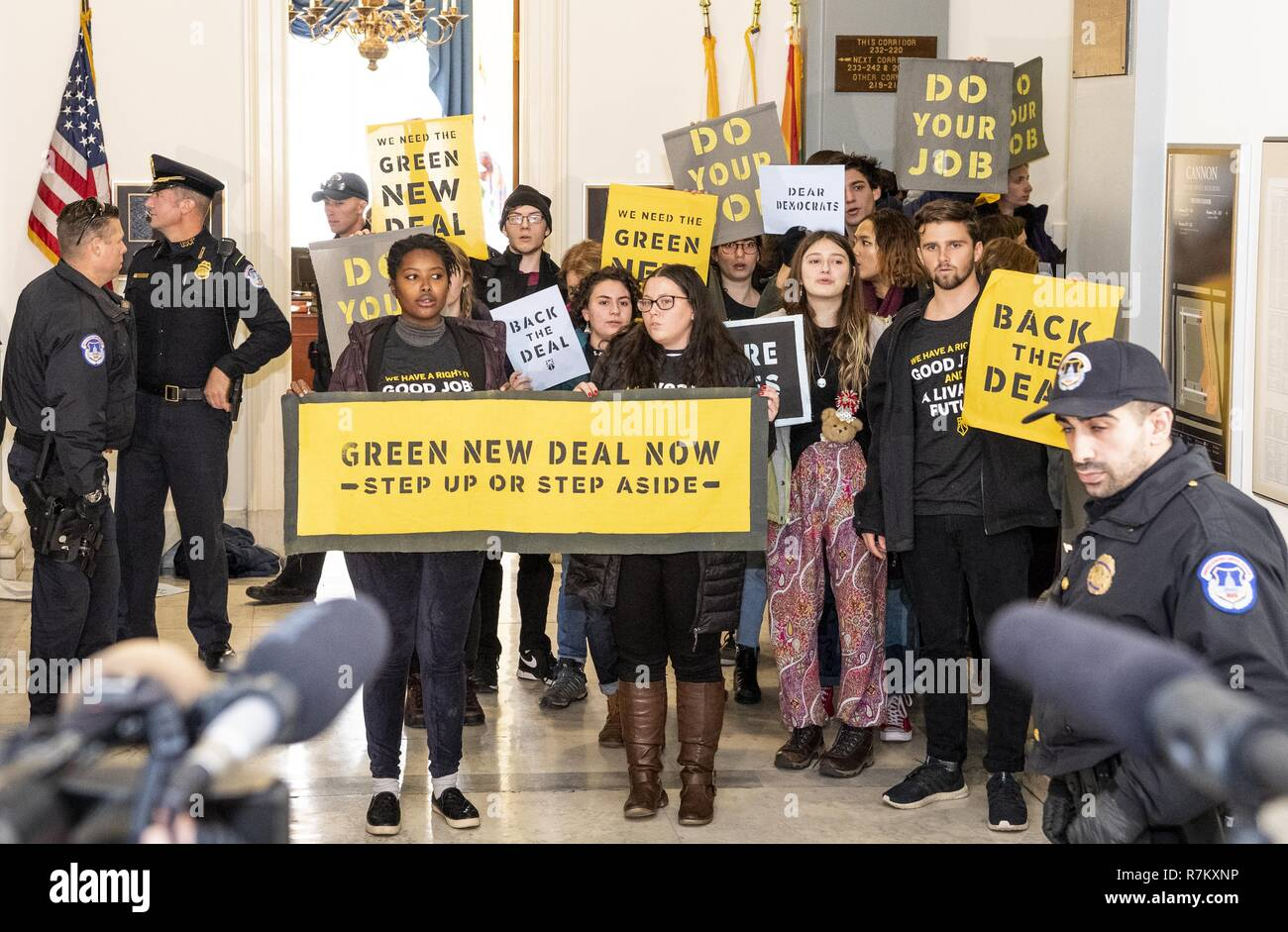 Washington, DC, USA. 10th Dec, 2018. Sunrise Movement protest inside the office of US Representative Nancy Pelosi (D-CA) to advocate that Democrats support the Green New Deal, at the US Capitol in Washington, DC on December 10, 2018. Credit: Michael Brochstein/ZUMA Wire/Alamy Live News Stock Photo