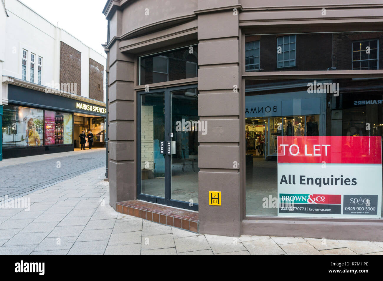 Empty shop to let in High Street, King's Lynn. - Stock Image