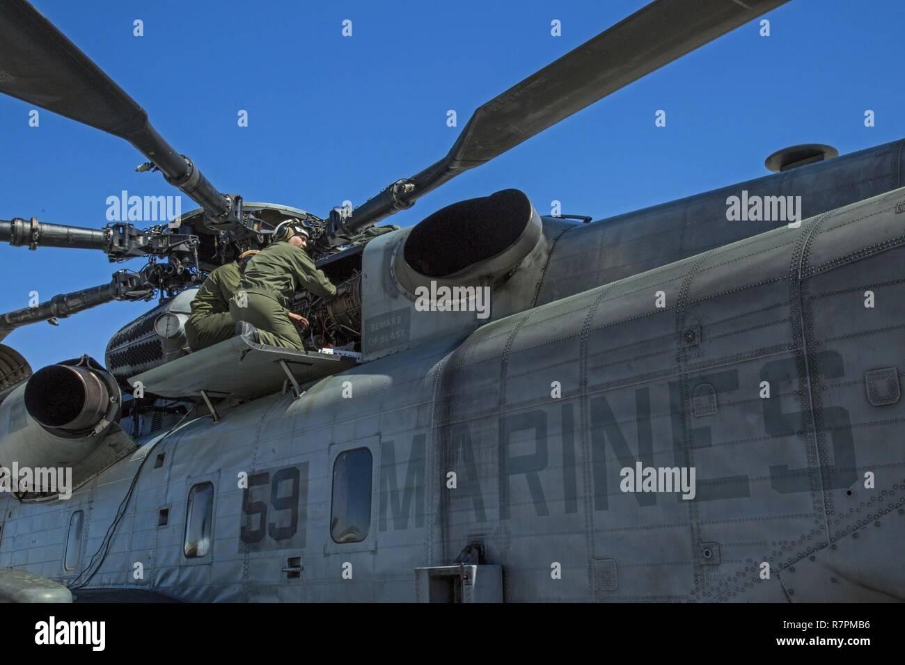 U S  Marines with Marine Heavy Helicopter Training Squadron