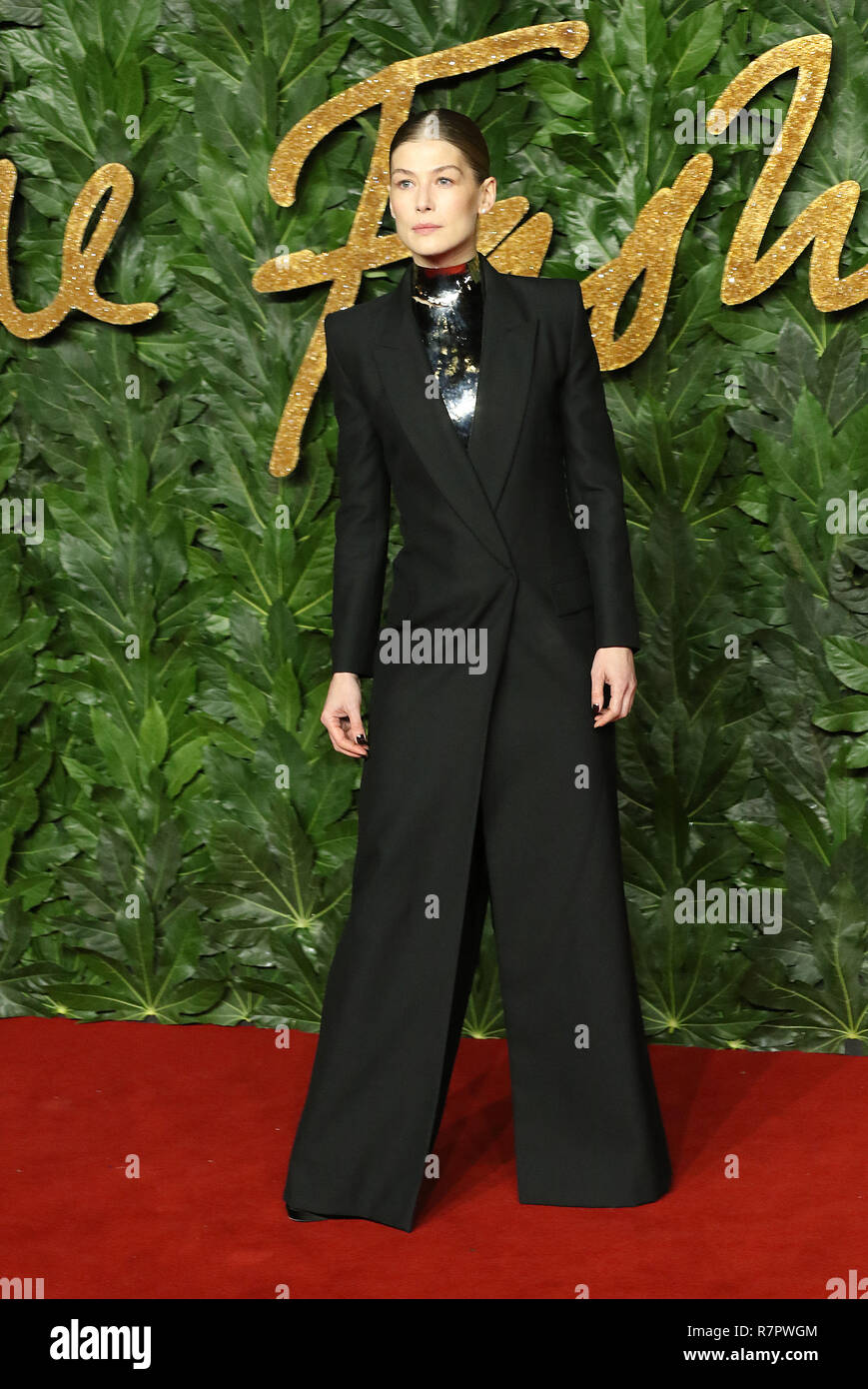 Rosamund Pike, Royal Albert Hall, London, UK. 10th Dec 2018. The Fashion Awards 2018, Royal Albert Hall, Kensington Gore, London, UK, 10 December 2018, Photo by Richard Goldschmidt Credit: Rich Gold/Alamy Live News Stock Photo