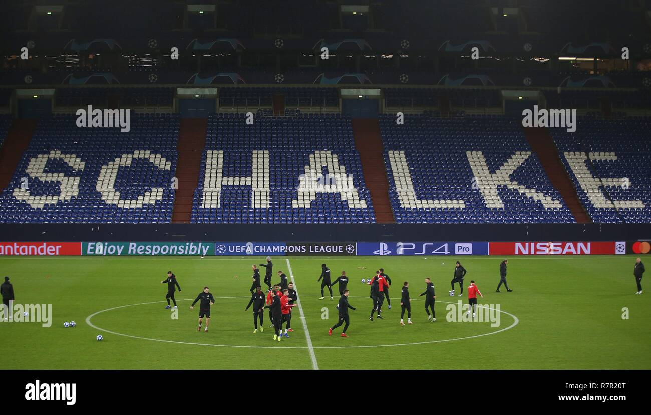 firo Football, 10.12.2018 Champions League Training FC Schalke 04 - Lokomotiv Moscow Team Lok | usage worldwide - Stock Image