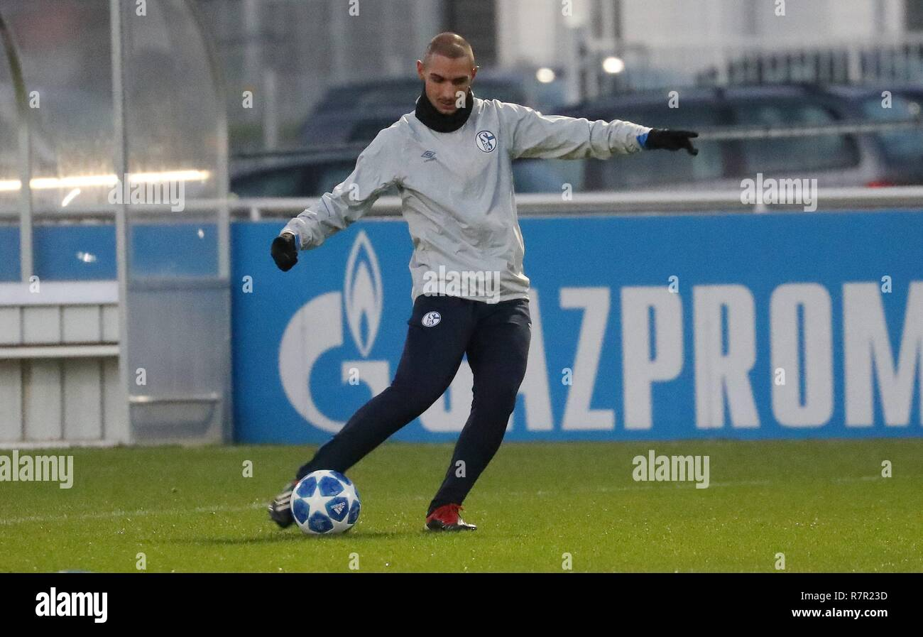firo Football, 10.12.2018 Champions League Training FC Schalke 04 - Lokomotiv Moscow Ahmed Kutucu | usage worldwide - Stock Image