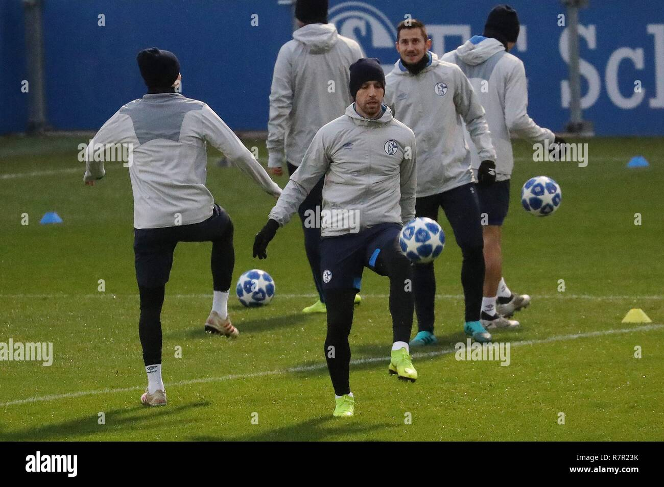 firo Football, 10.12.2018 Champions League Training FC Schalke 04 - Lokomotiv Moscow Matija Nastasic | usage worldwide - Stock Image