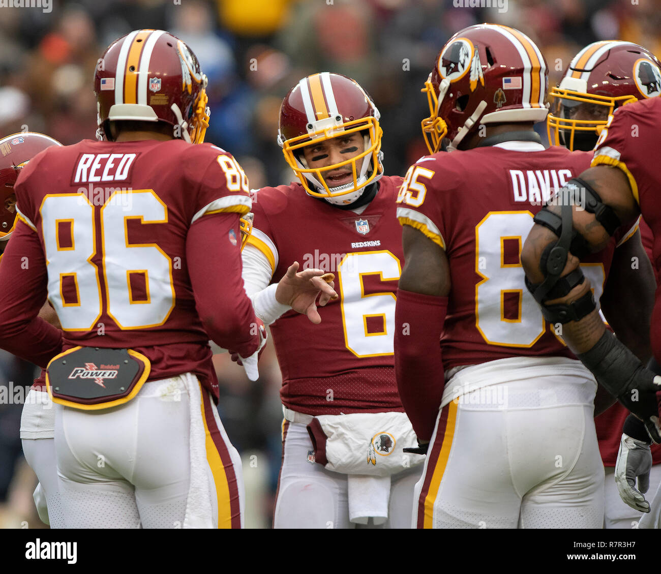 best service 35121 f6292 Washington Redskins quarterback Mark Sanchez (6) discusses ...