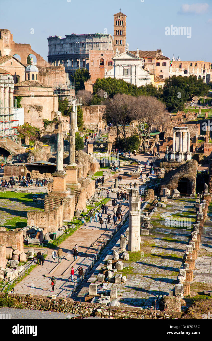 The Roman Forum (Foro Romano) with the Colosseum in the background. Rome Italy. - Stock Image