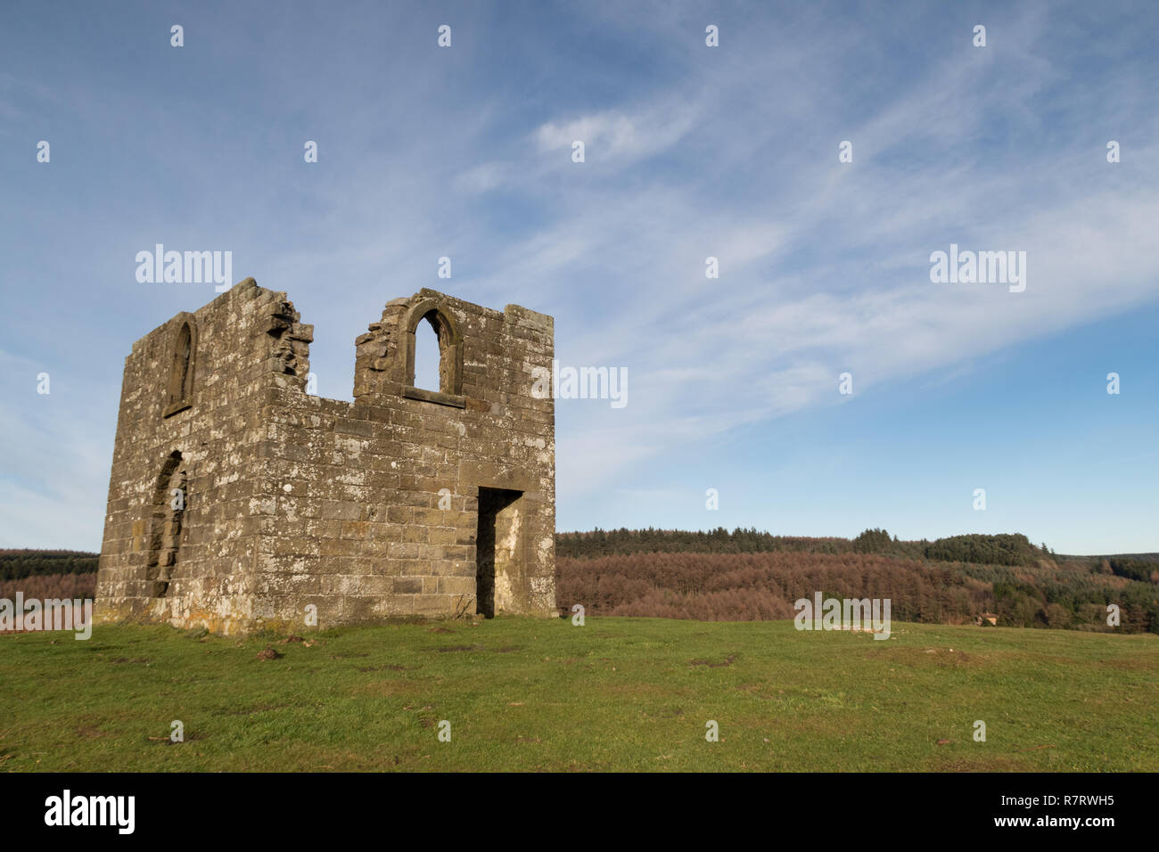 Skelton Tower overlooking Newtondale in the North York Moors - Stock Image