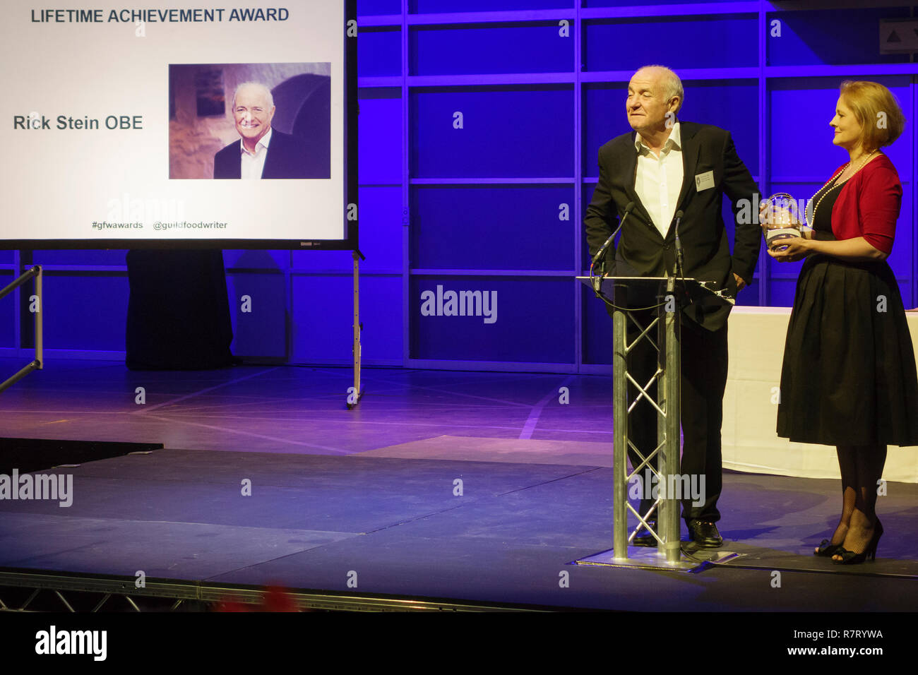 London, UK. The chef, author and TV presenter Rick Stein receives a lifetime achievement award from the Guild of Food Writers in 2015 - Stock Image