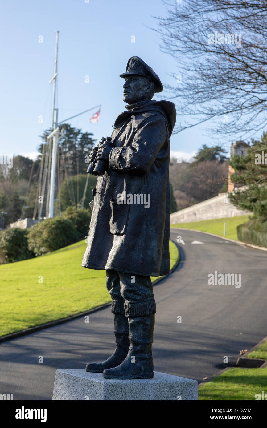 Judy Boyt's sculpture The Watch keeper at Britannia Royal Naval College BRNC Dartmouth looking over the river Dart - Stock Image