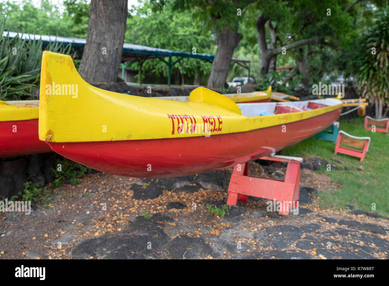 Honaunau, Hawaii - Ocean going canoes belonging to members of the Keoua Honaunau Canoe Club on Hawaii's Big Island. - Stock Image