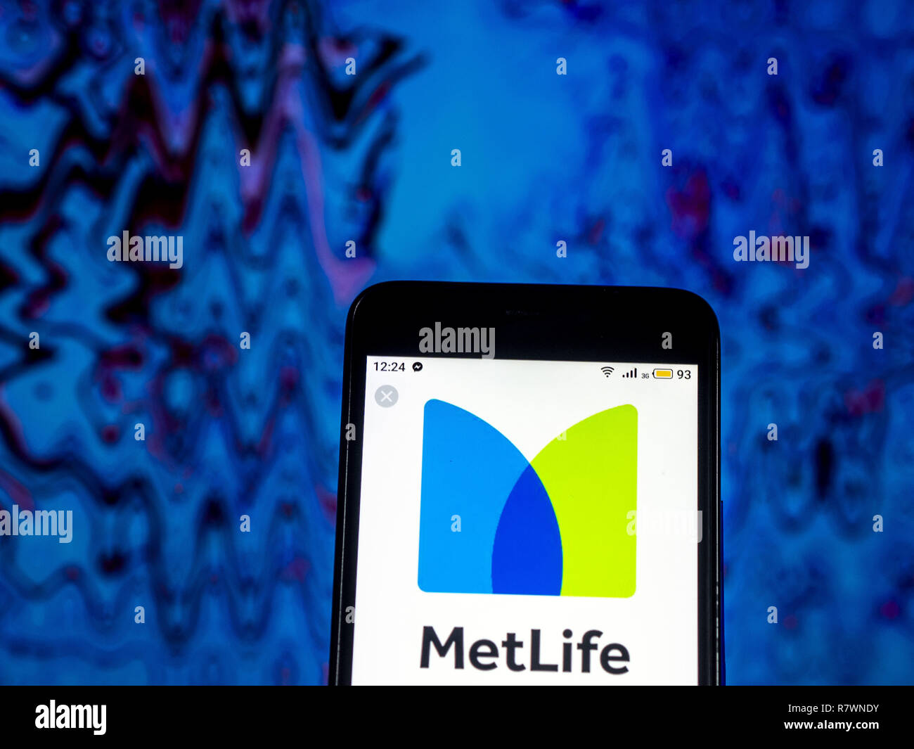 Kiev, Ukraine. 11th Dec, 2018. MetLife Life insurance company logo seen displayed on smart phone. Credit: Igor Golovniov/SOPA Images/ZUMA Wire/Alamy Live News - Stock Image
