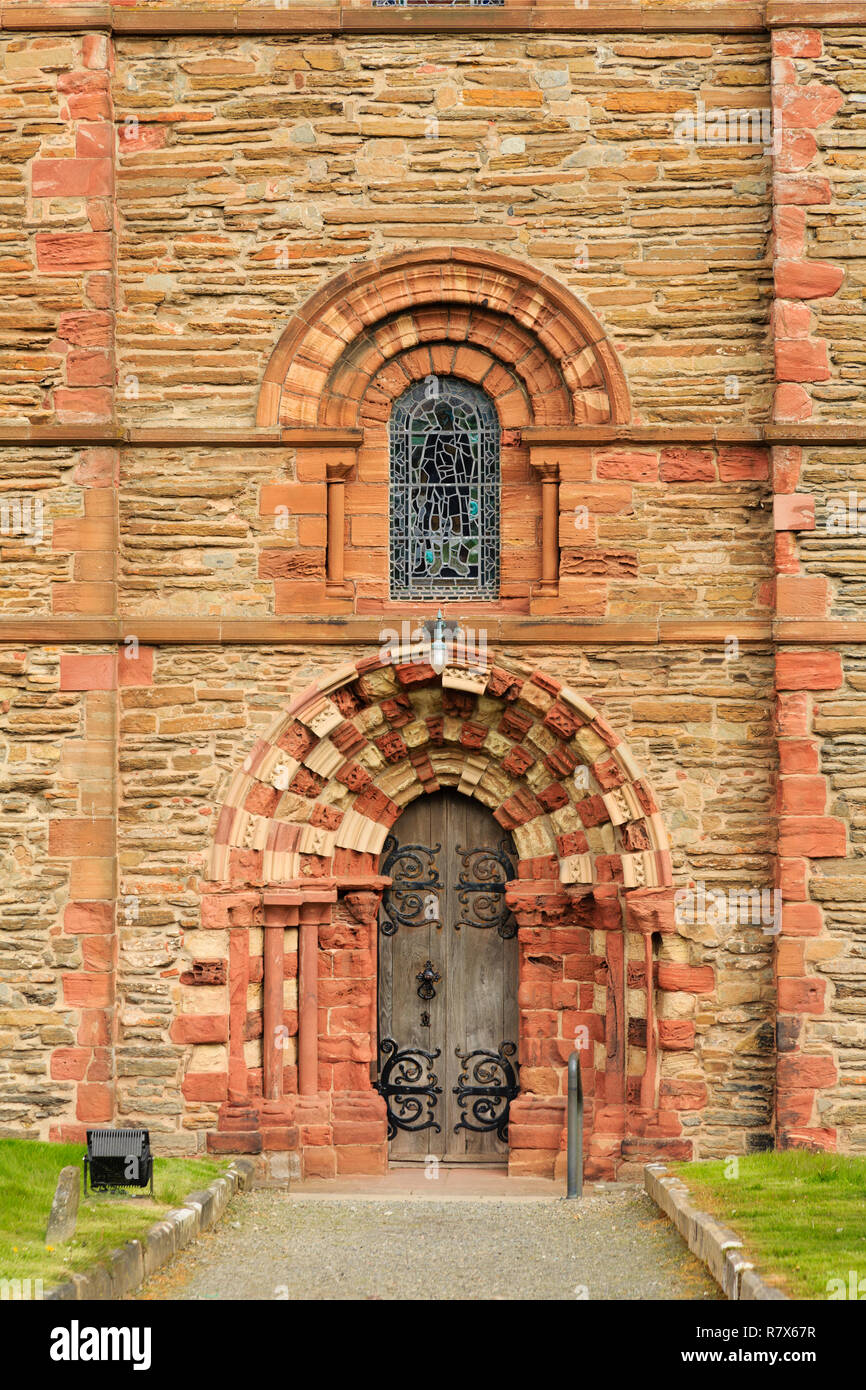 Side entrance door to south transept of 12th century St Magnus' cathedral. Kirkwall, Orkney Mainland, Scotland, UK, Great Britain - Stock Image