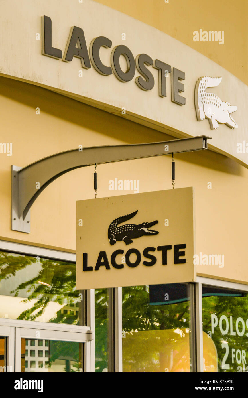 00f42a222e5 Lacoste Clothing Stock Photos   Lacoste Clothing Stock Images - Alamy