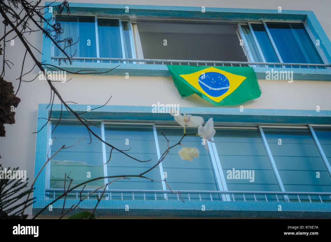 Manifestação em prédio no bairro de Botafogo, Rio de Janeiro, em 06-03-2016. - Stock Image