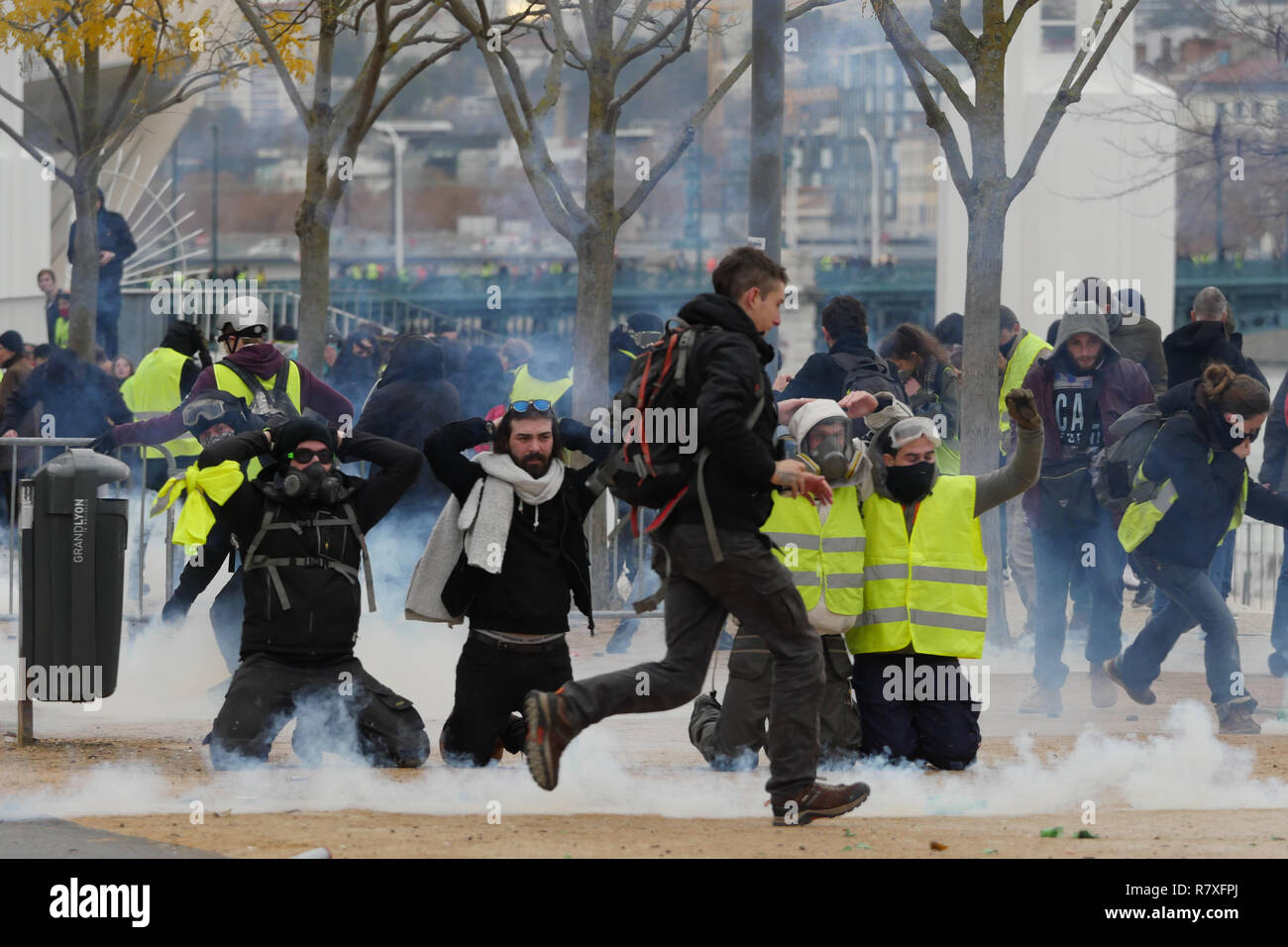 """Yellow Jackets"" protesters face Riot Police forces, Lyon, France Stock Photo"