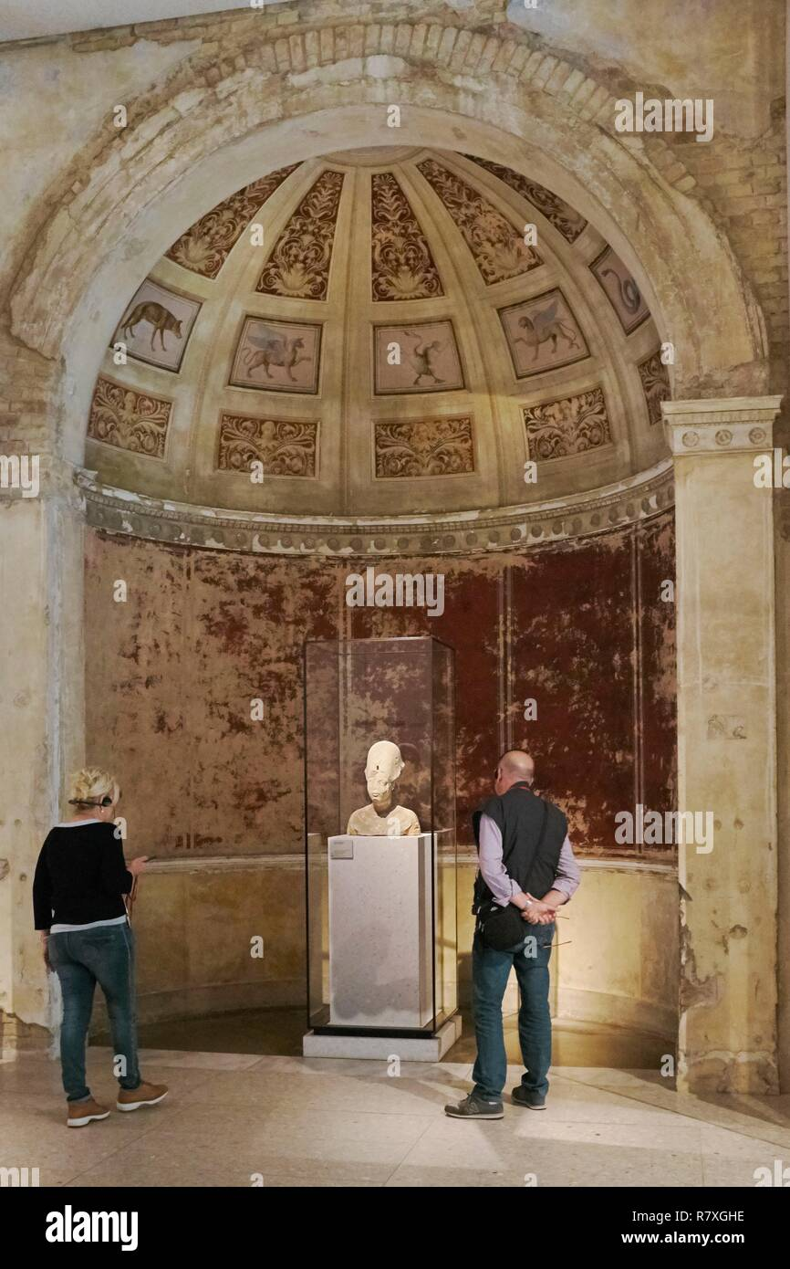 Germany, Berlin, Museum Island, listed as World Heritage by UNESCO, Neues Museum, museum designed by Friedrich August Stuler and inaugurated in 1855 but reopened in 2009 after the renovation directed by British architect David Chipperfield, Bust of Akhenaten Stock Photo