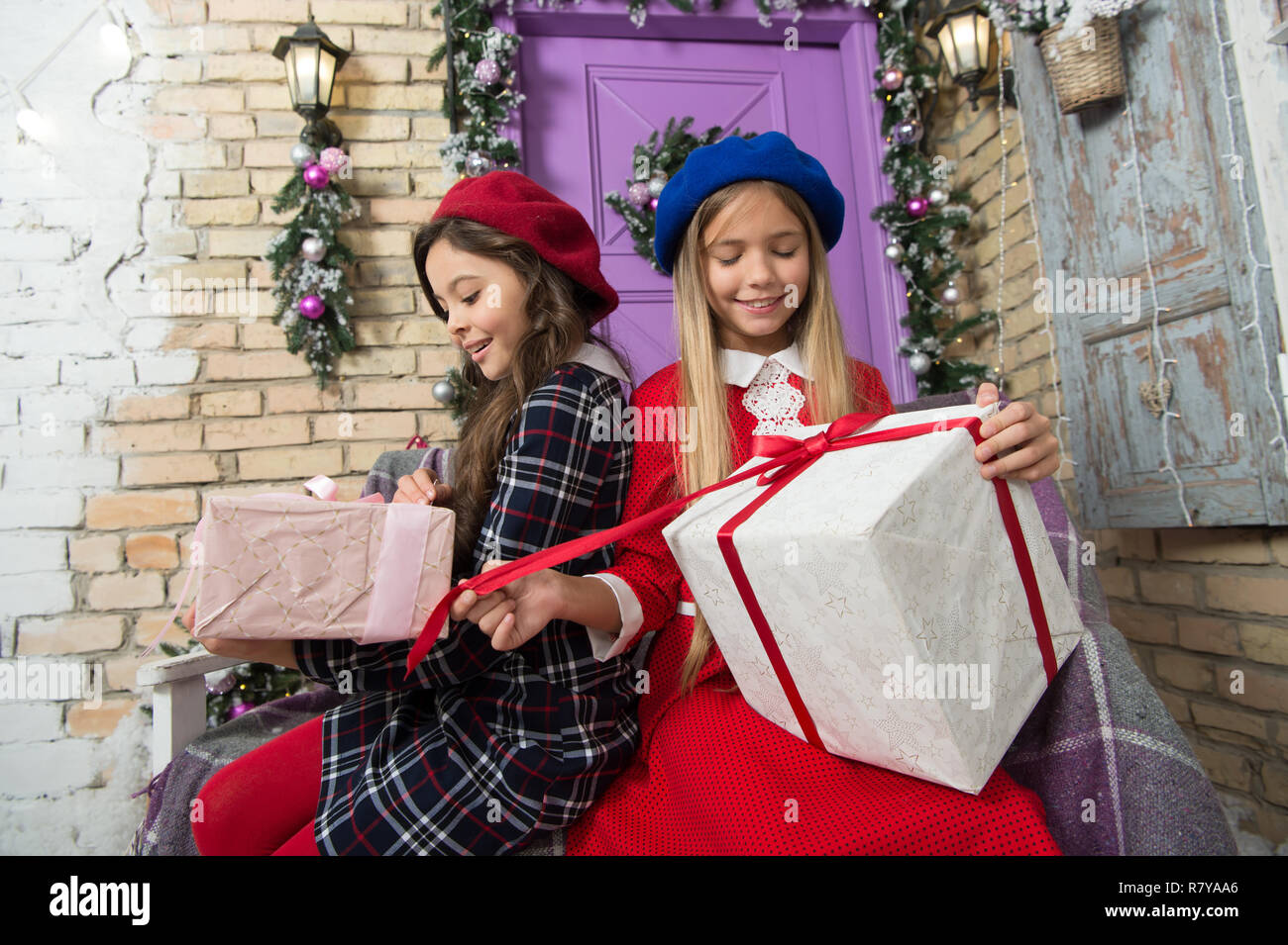 Unwrap Gift Stock Photos   Unwrap Gift Stock Images - Alamy 2b710ee0d