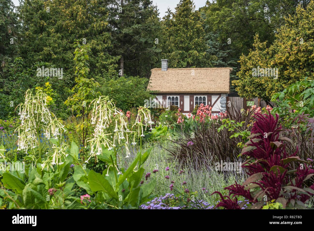 The English Gardens at the Assiniboine Park, Winnipeg, Manitoba, Canada. - Stock Image