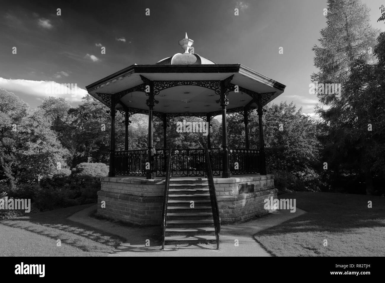 The Bandstand in the Pavilion Gardens in the market town of Buxton, Peak District National Park, Derbyshire, England, UK - Stock Image
