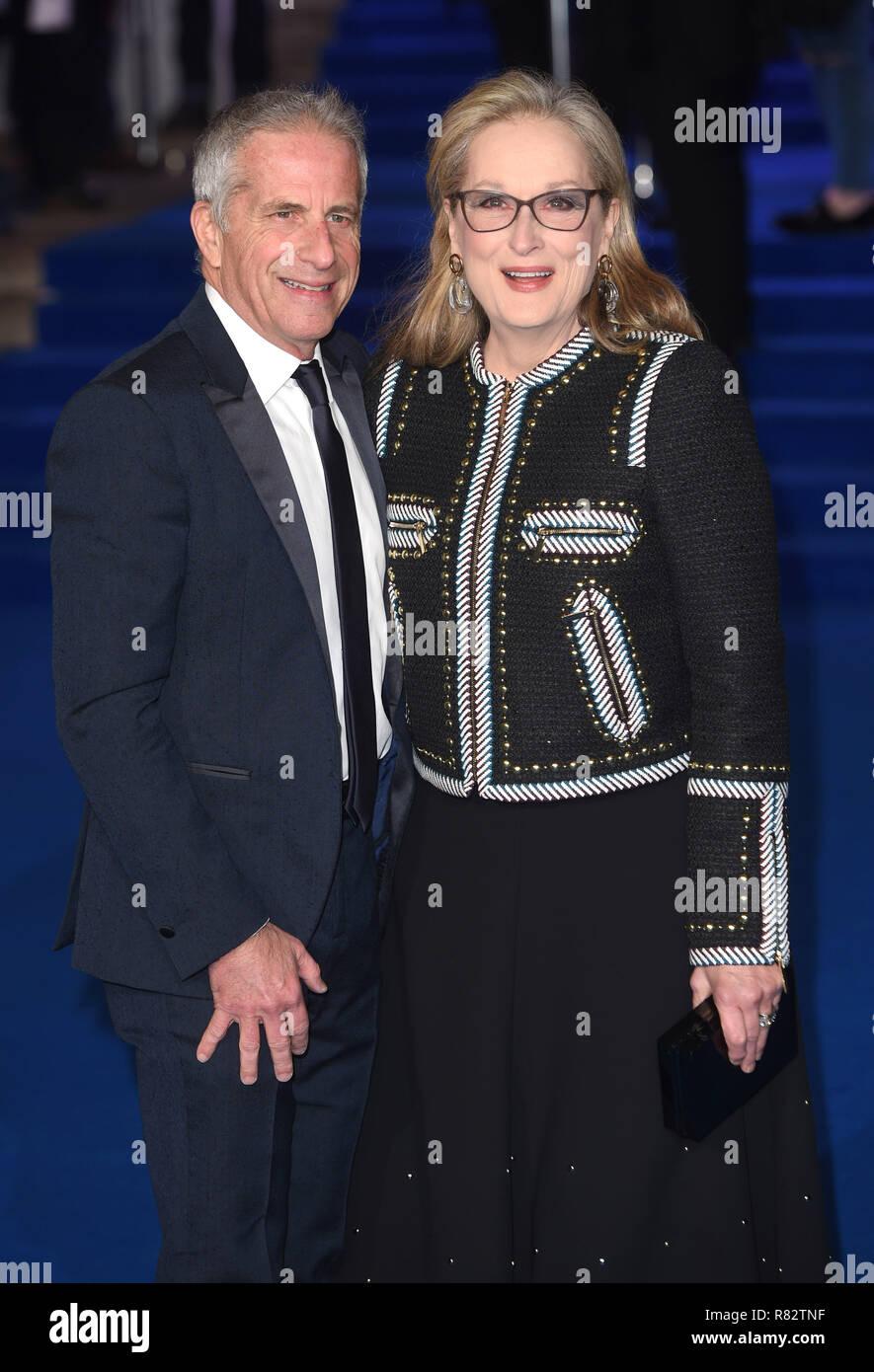 Photo Must Be Credited ©Alpha Press 079965 12/12/2018 Marc Platt and Meryl Streep Mary Poppins Returns European Premiere at The Royal Albert London - Stock Image