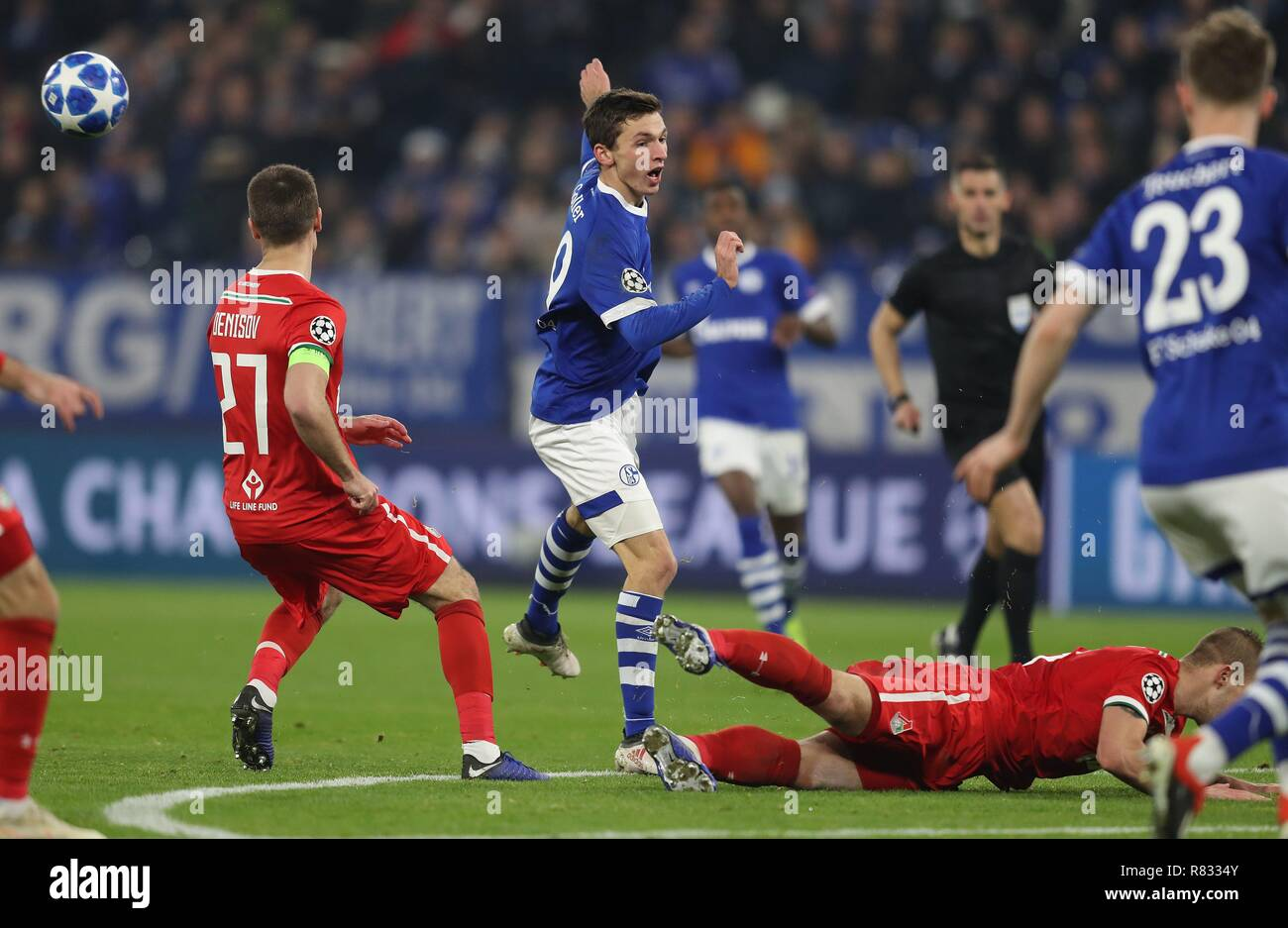 firo Football, 11.12.2018 Champions League FC Schalke 04 - Lokomotiv Moscow duels Benjamin Goller | usage worldwide - Stock Image