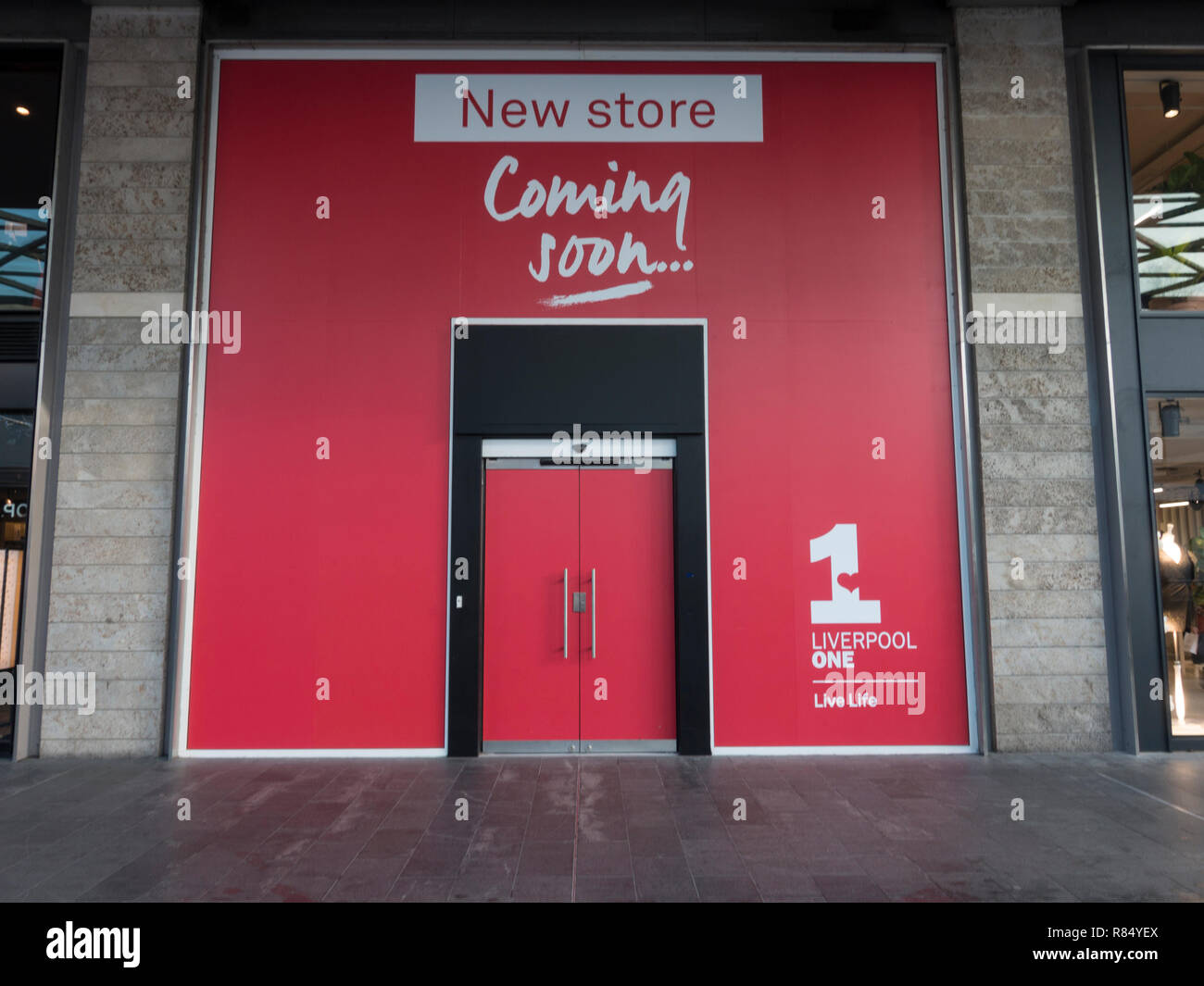 Shop Coming Soon High Resolution Stock Photography And Images Alamy