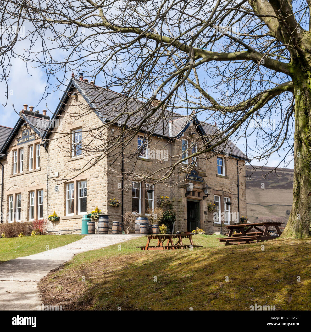 A countryside pub. The Rambler Inn at Edale in Derbyshire, Peak District, England, UK - Stock Image