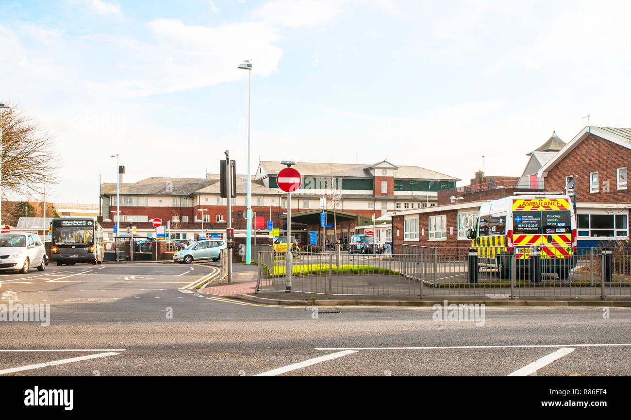 Blackpool Victoria Hospital Outpatients entrance - Stock Image