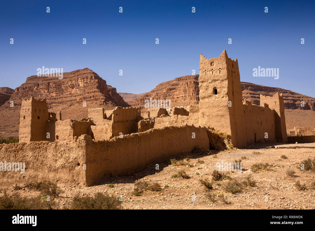 Morocco, Ziz River Gorge, Guers Tiallaline, ancient Kasbah remains Stock Photo