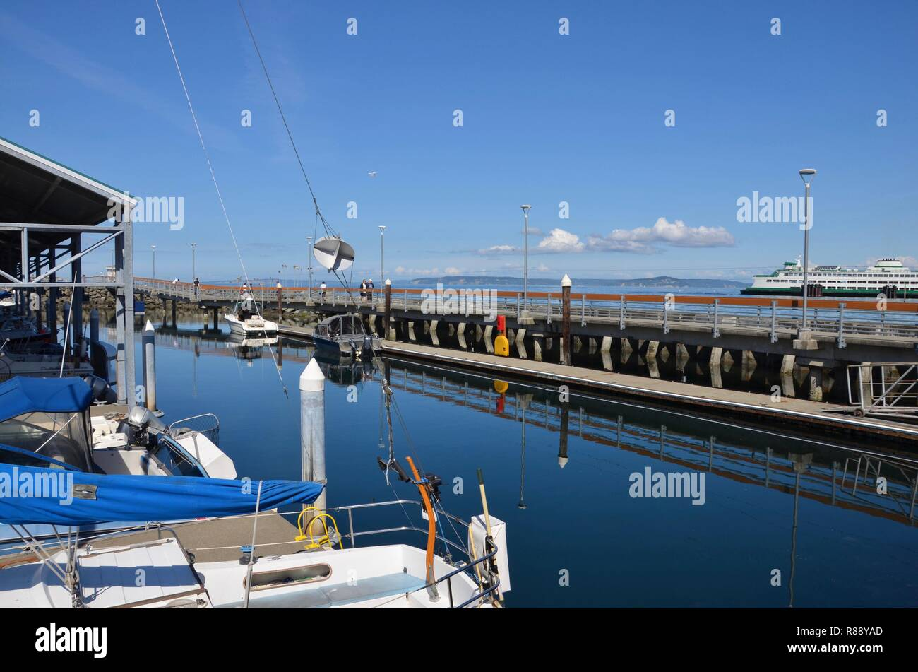 Waterfront of Edmonds in Washington state, view towards the pier and marina, ferry, state ferry system, Seattle Metropolitan area, September - Stock Image