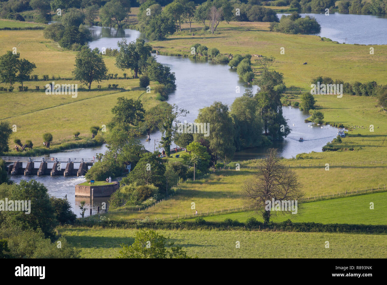 Looking down on Days Lock on the River Thames near Dorchester-on-Thames, viewed from Round Hill, Wittenham Clumps, Oxfordshire - Stock Image