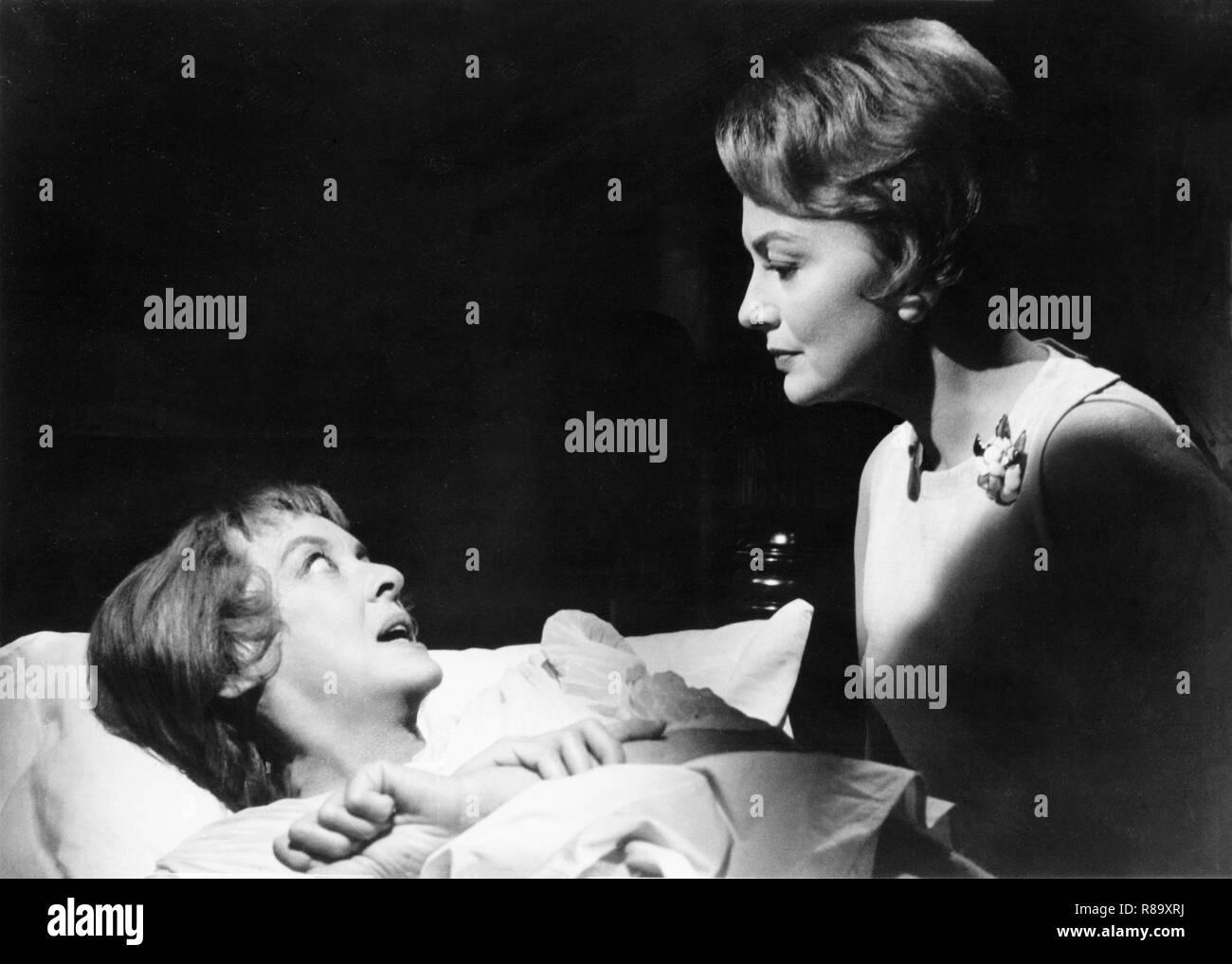 Hush...Hush, Sweet Charlotte Year : 1964 USA Director : Robert Aldrich Bette Davis, Olivia de Havilland - Stock Image