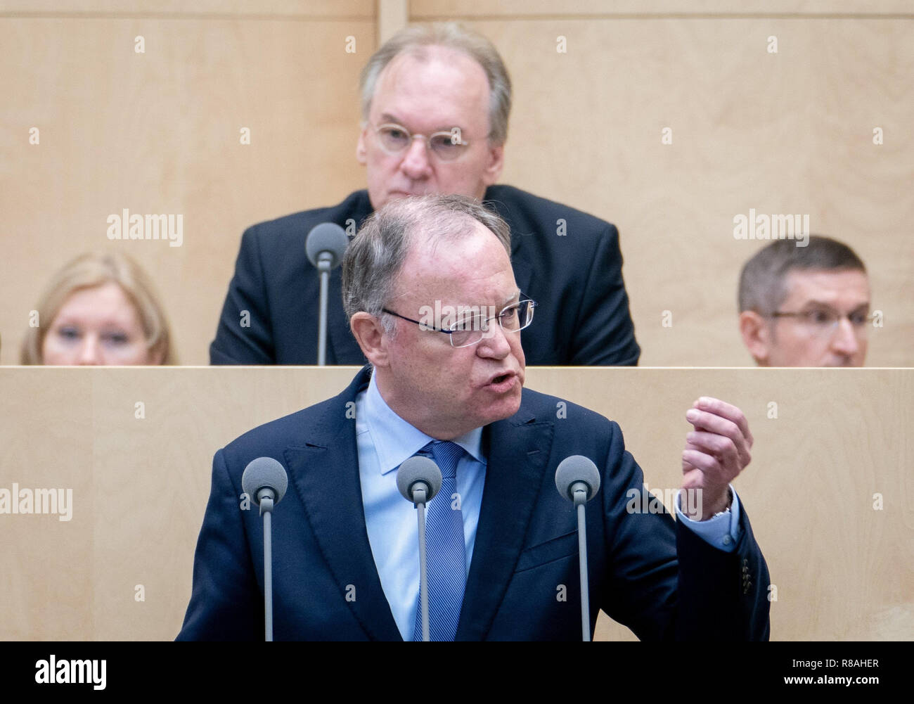 Berlin, Germany. 14th Dec, 2018. Stephan Weil (SPD), Prime Minister of Lower Saxony, speaks at the session of the Bundesrat. In the last session of the year, the regional chamber finally deals with several laws of the grand coalition, including tightening the rent brake, more further training, higher nursing care contributions in 2019, postponement of the ban on anaesthetised piglet castration. Credit: Kay Nietfeld/dpa/Alamy Live News - Stock Image