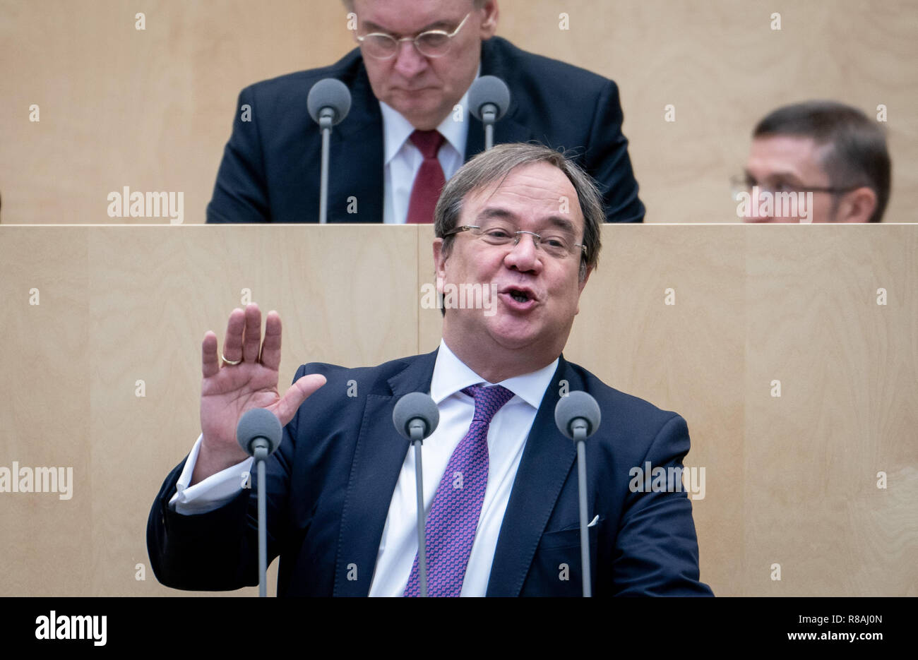 Berlin, Germany. 14th Dec, 2018. Armin Laschet (CDU), Prime Minister of North Rhine-Westphalia, speaks during the session of the Bundesrat. In the last session of the year, the regional chamber finally deals with several laws of the grand coalition, including tightening the rent brake, more further training, higher nursing care contributions in 2019, postponement of the ban on anaesthetised piglet castration. Credit: Kay Nietfeld/dpa/Alamy Live News - Stock Image