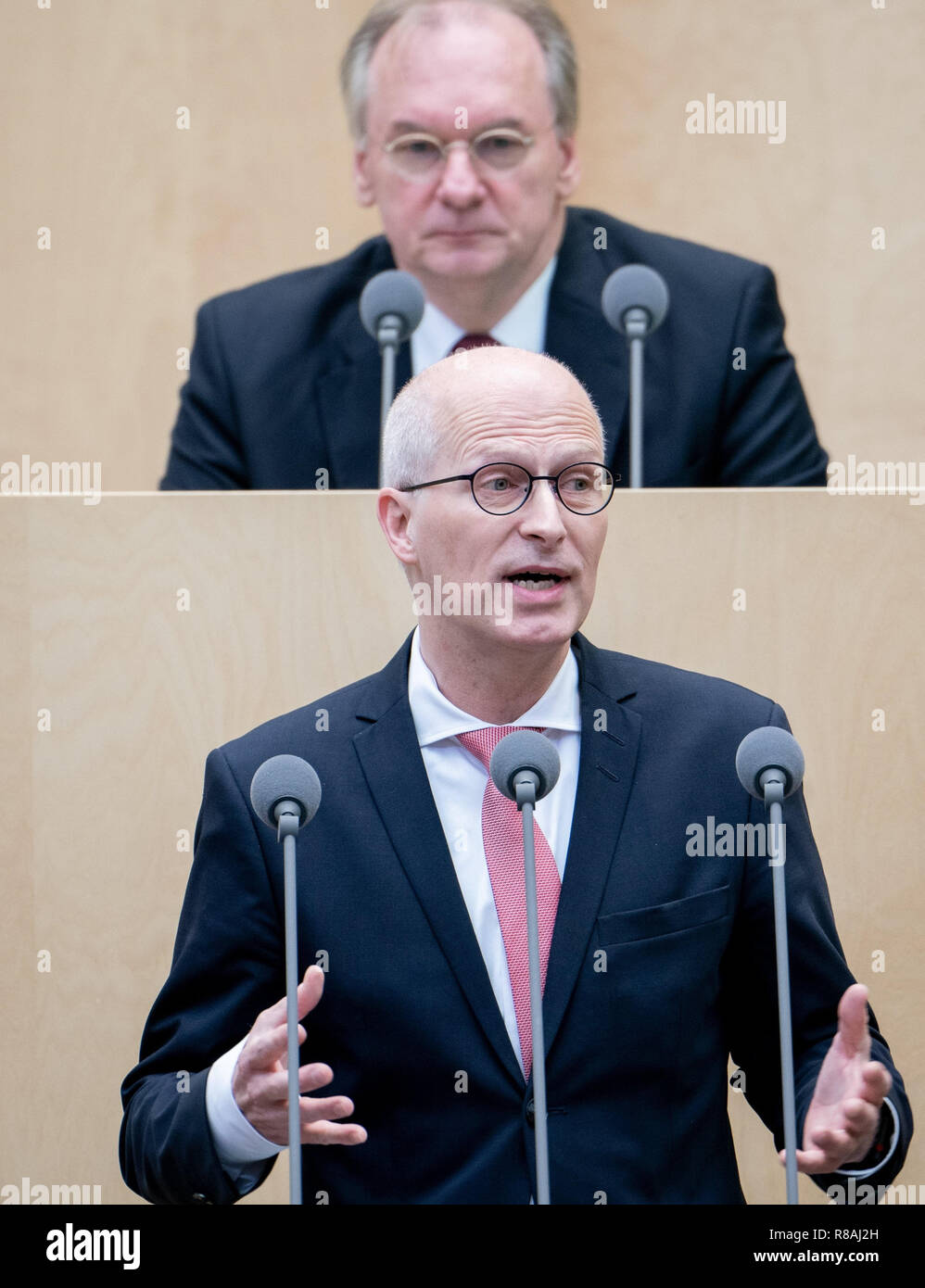 Berlin, Germany. 14th Dec, 2018. Peter Tschentscher (SPD), First Mayor of the Free and Hanseatic City of Hamburg, will speak during the session of the Bundesrat. In the last session of the year, the regional chamber finally deals with several laws of the grand coalition, including tightening the rent brake, more further training, higher nursing care contributions in 2019, postponement of the ban on anaesthetised piglet castration. Credit: Kay Nietfeld/dpa/Alamy Live News - Stock Image