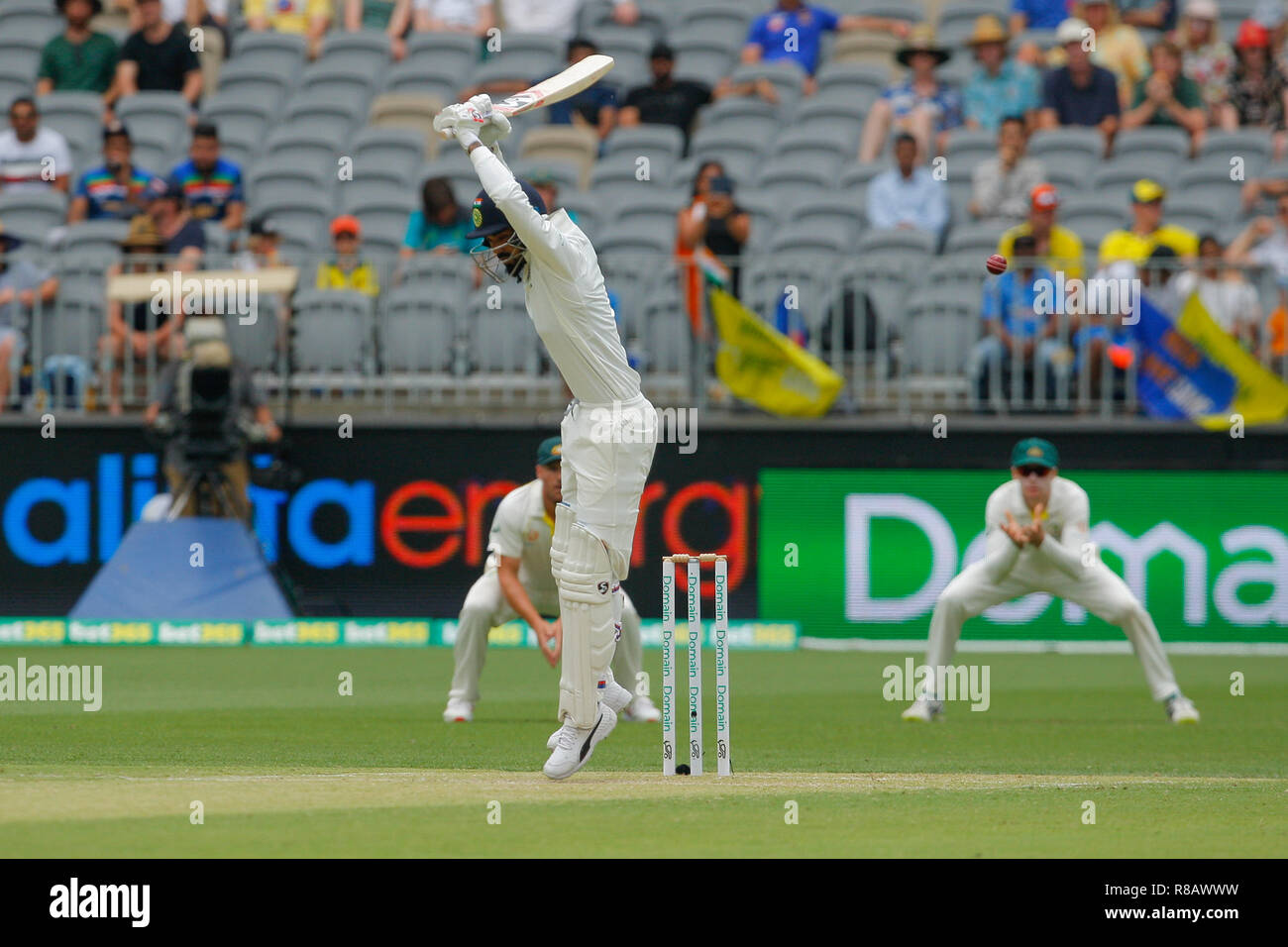 Optus Stadium, Perth, Australia. 15th Dec, 2018. International Test Series Cricket, Australia versus India, second test, day 2; KL Rahul of India lets the ball go outside of off stump Credit: Action Plus Sports/Alamy Live News - Stock Image