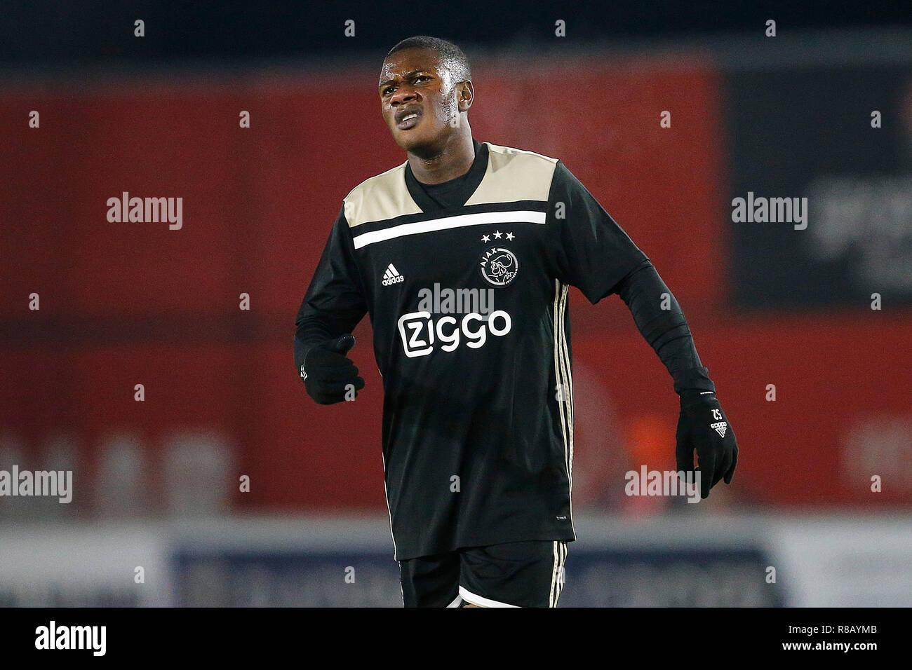 Keuken Kampioen Almere : Almere yanmar stadium season  dutch