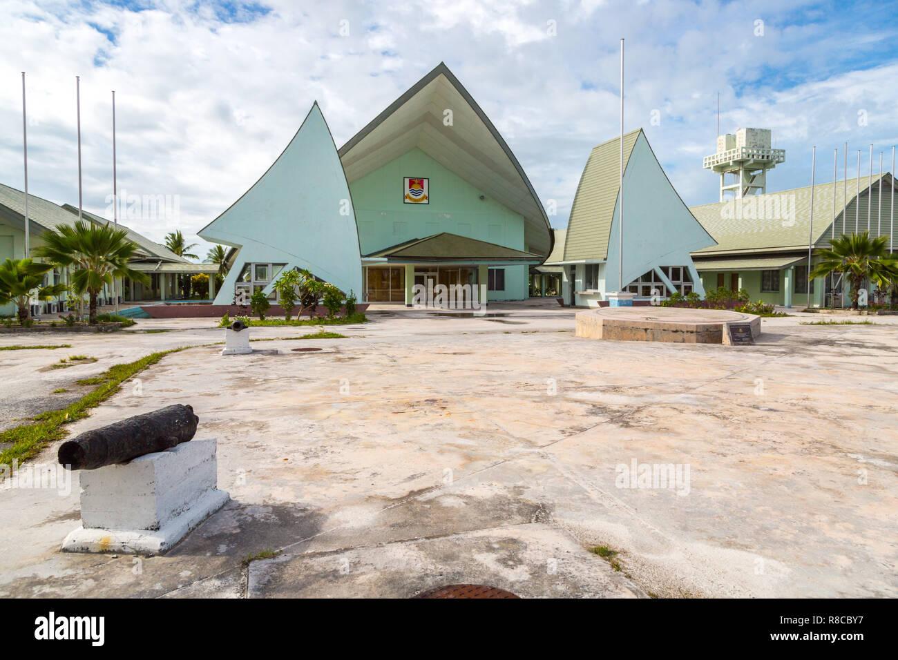 Maneaba ni Maungatabu (Parliament of Kiribati), complex of buildings on a Tarawa atoll lagoon motu. House of Assembly, Ambo, South Tarawa, Kiribati, G - Stock Image