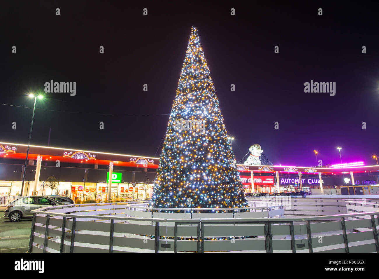 Triangle Of Christmas Tree Lights High Resolution Stock Photography And Images Alamy
