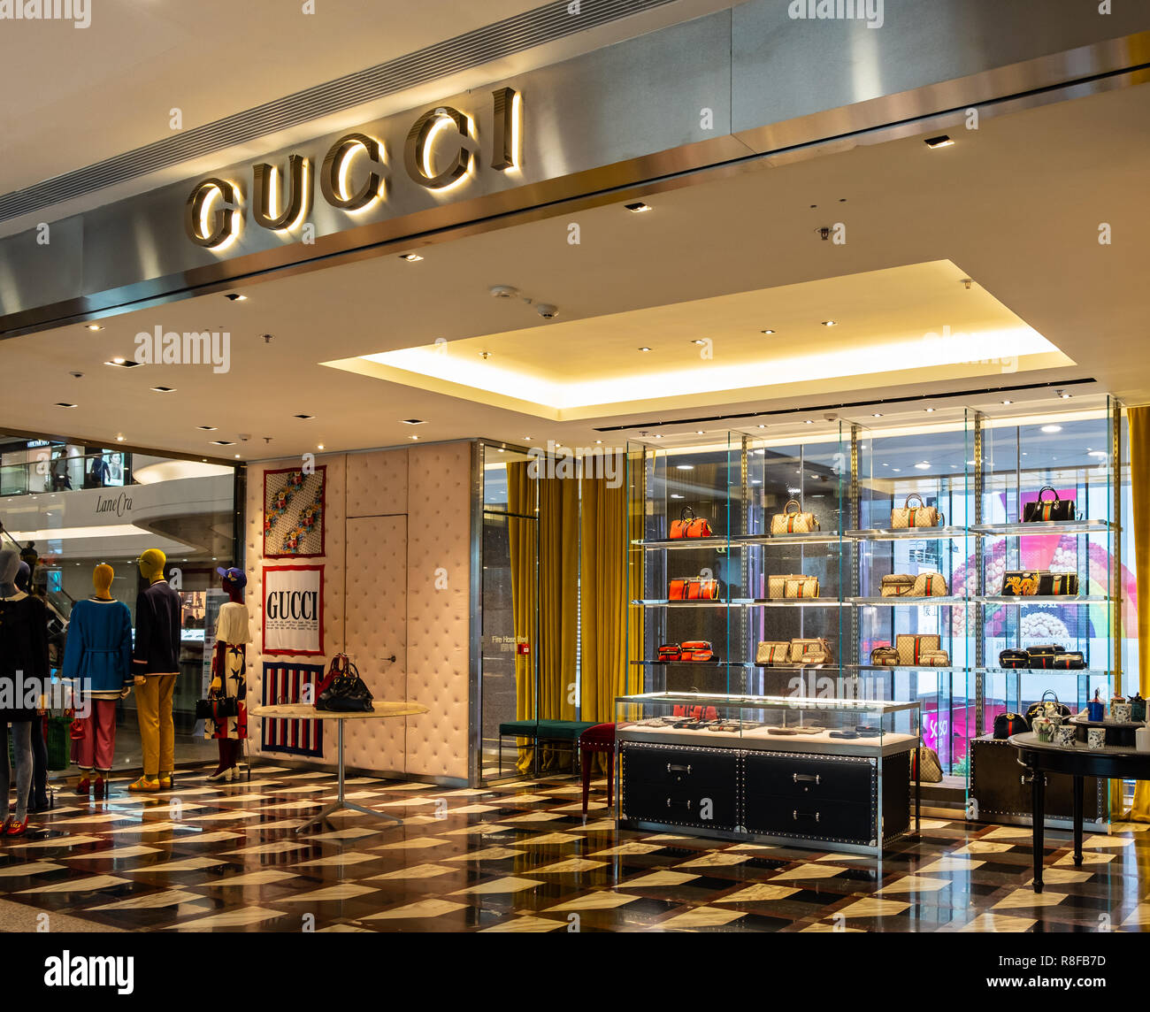 fe9f9eb05 Gucci Sign Stock Photos   Gucci Sign Stock Images - Alamy