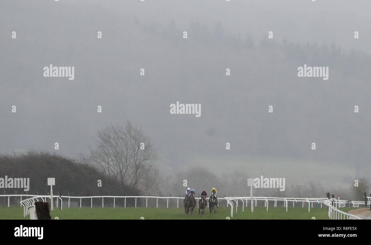 Ozzie the Oscar leads the field in the Cheltenham Club Handicap Chase during day two of the International Meeting at Cheltenham Racecourse. - Stock Image