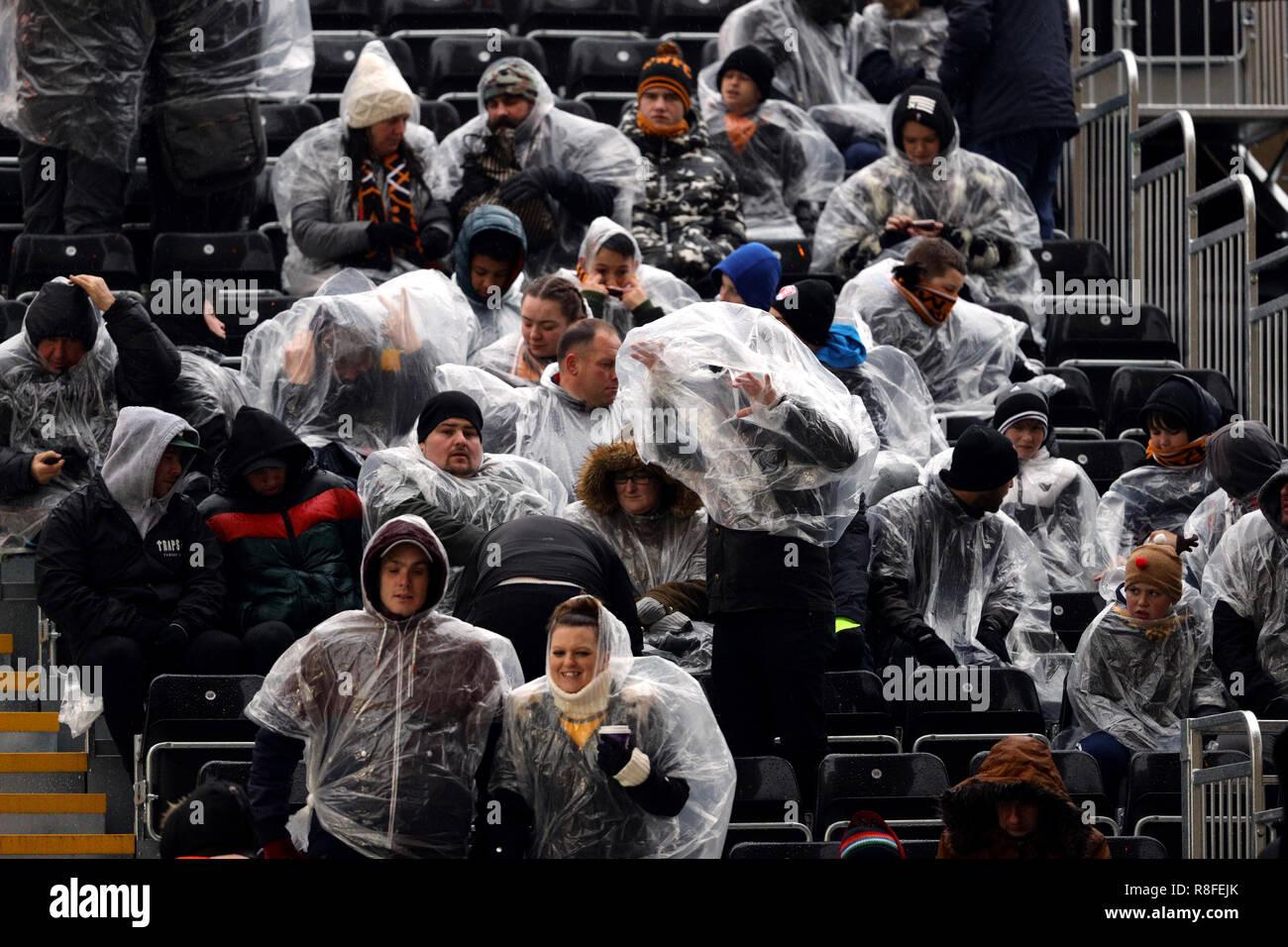 Rain Football Fans Stock Photos & Rain Football Fans Stock