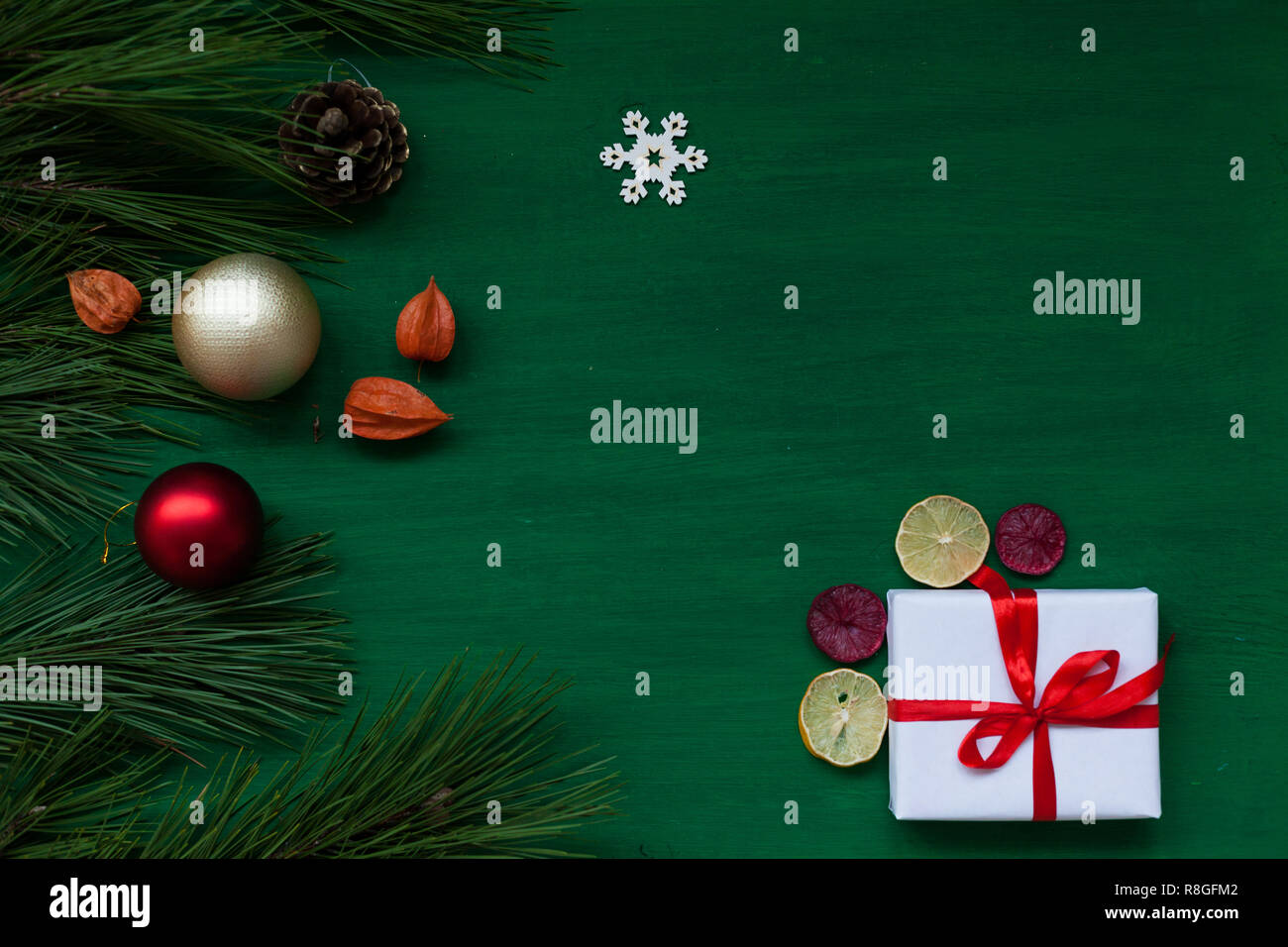 Green Christmas new year tree background gifts holiday - Stock Image