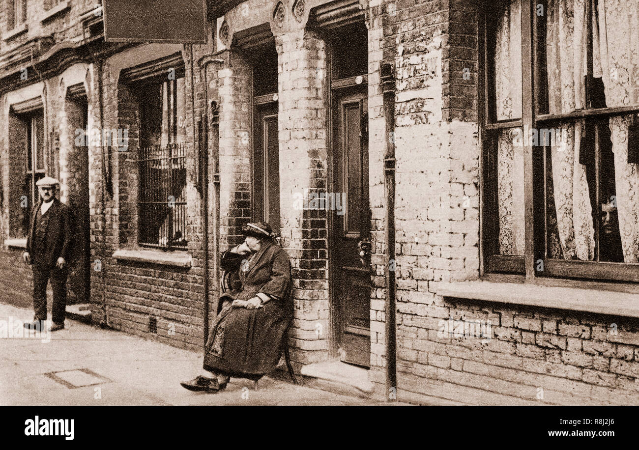 The unkept slum terraced housing in England in 1919, inspired King George V to appeal to Local Authorites to build better homes for working class people throughout the country. - Stock Image